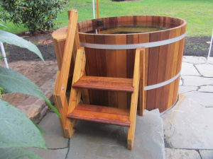 4 Person Wood Hot Tub - Electric Heater with jets